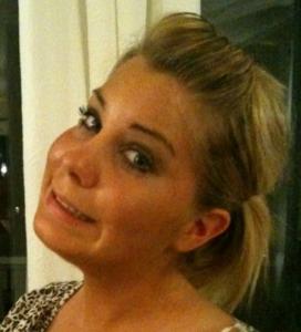 Marielle Tysnes er ansatt som servicevert i kafeteriaen på Røykenbadet