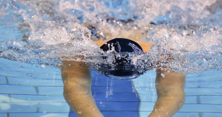 Bli med på svømmekurs!