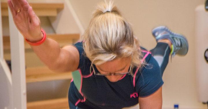 Slide er en styrketime der du bruker kroppsvekten og sklimatter som belastning